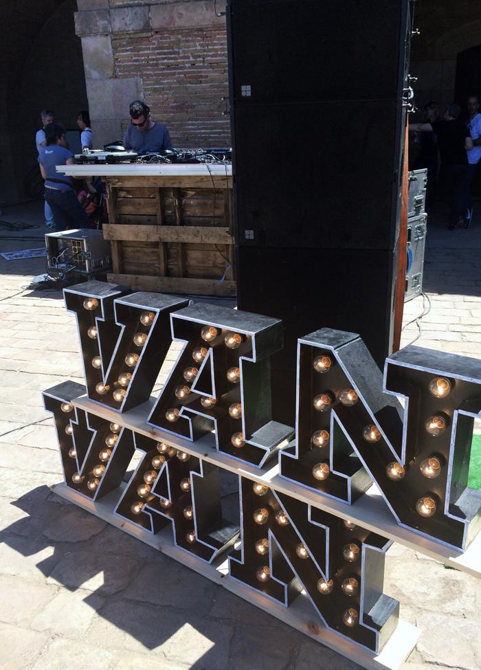 Van Van Market