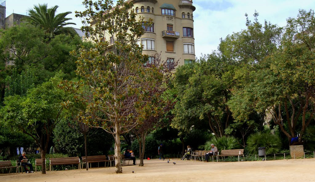 Los Jardines del Palau Robert son un espacio ideal para relajarse y comer al aire libre en Barcelona