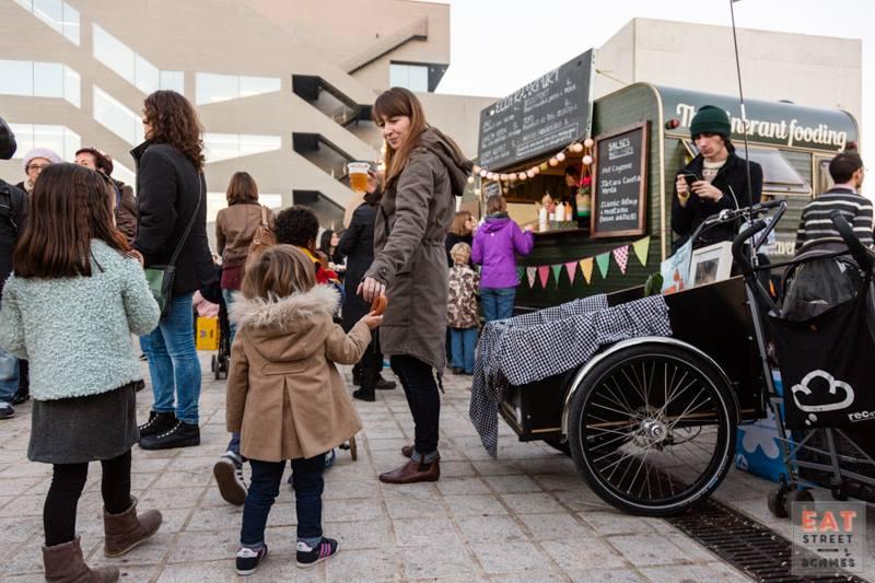Eat Street Barcelona nació como una iniciativa pionera y reivindicativa del movimiento y en sólo un año de vida ha conseguido hacerse un hueco en la ciudad.