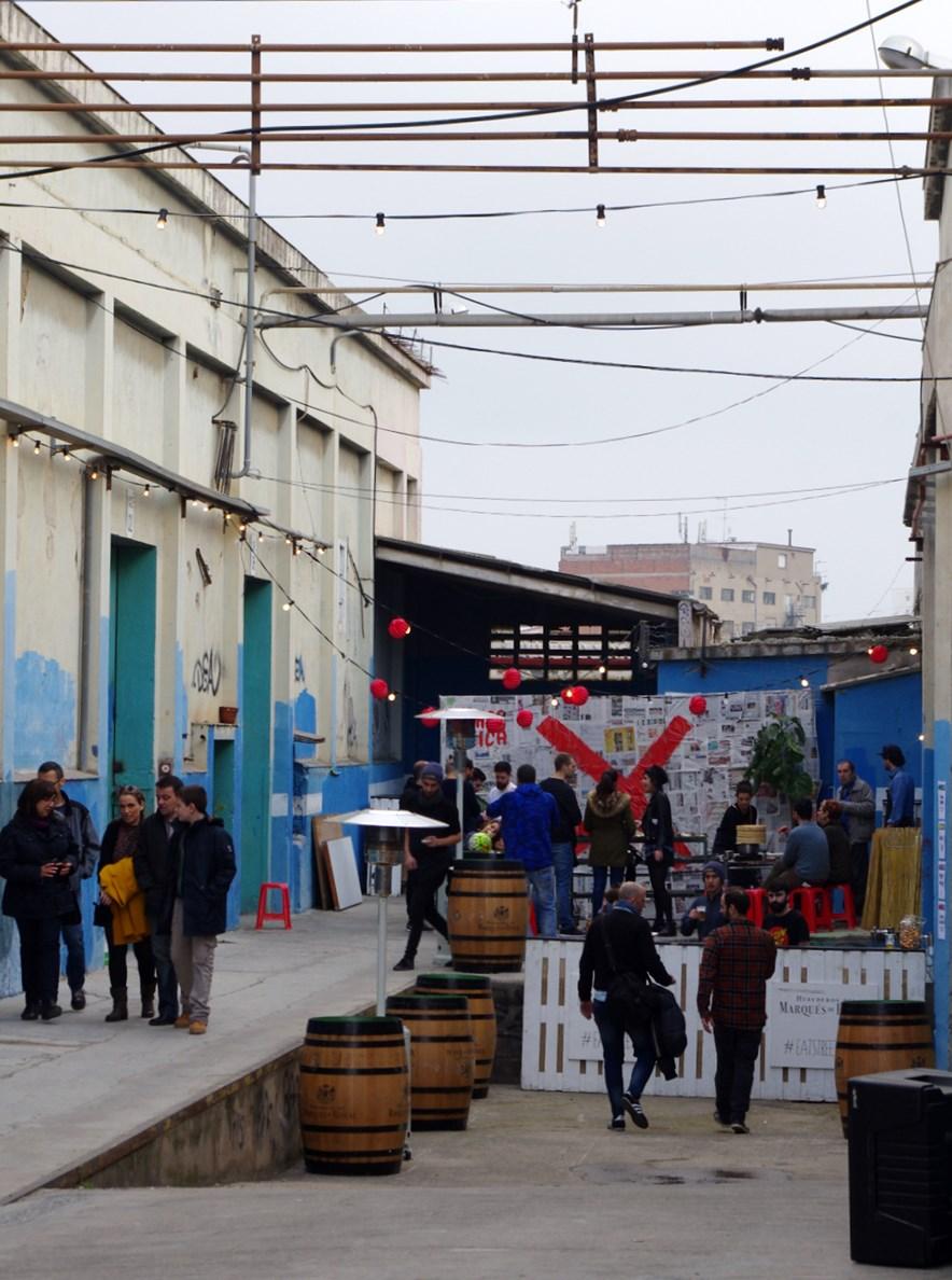 Nau Bostik y el Eat Street